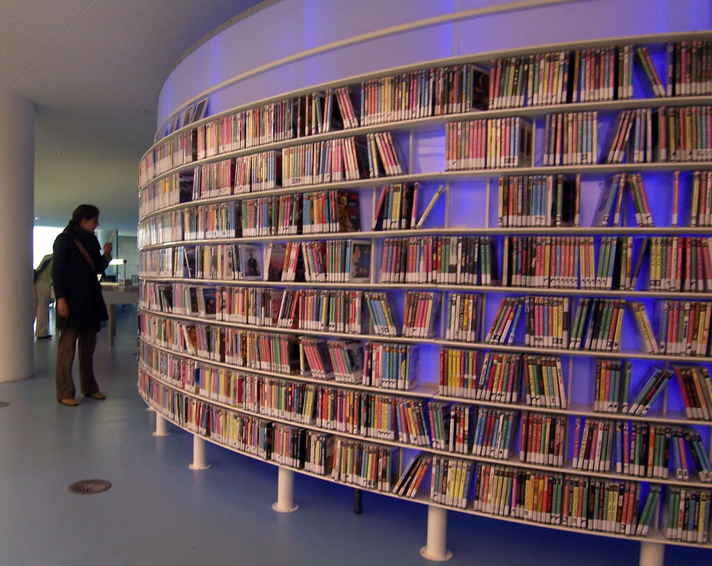 A library DVD selection. Photo by screenpunk (Flickr)
