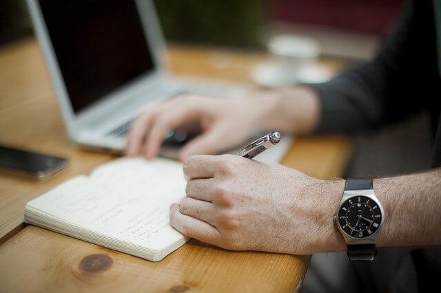 left-handed-writer