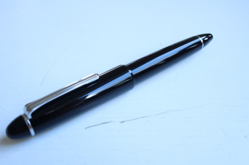 The Sailor 1911 Ringless fountain pen in Simply Black
