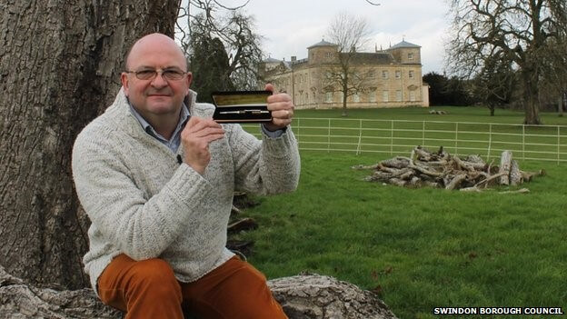 300 year-old tree turned into remarkable pens after falling to winter storms